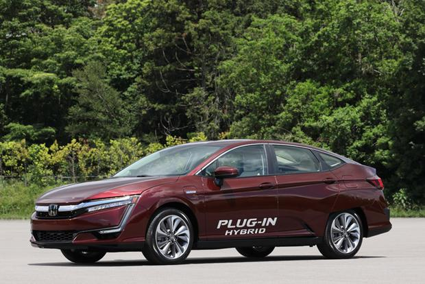 2017 Honda Clarity: One Model, Three Advanced Drivetrains featured image large thumb6