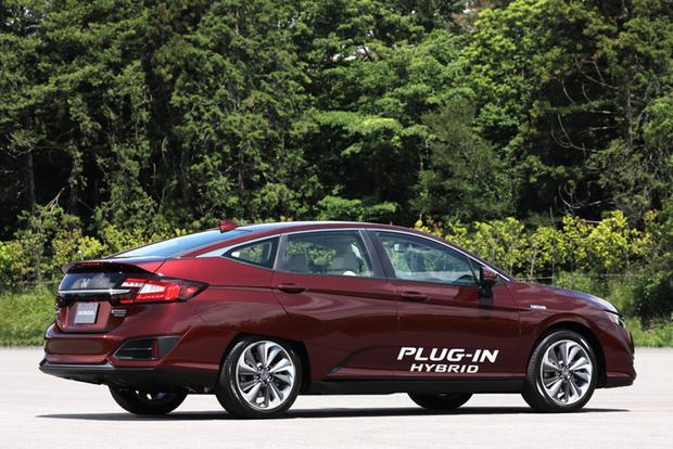 2017 Honda Clarity: One Model, Three Advanced Drivetrains featured image large thumb7
