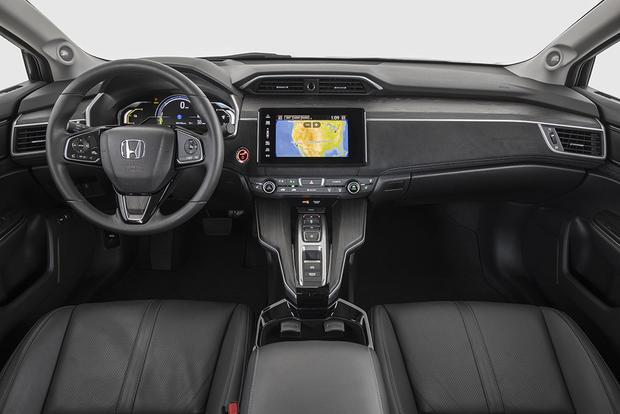 2017 Honda Clarity: New Car Review featured image large thumb7
