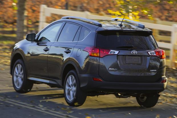 2013 Honda CR-V vs. 2013 Toyota RAV4 featured image large thumb3