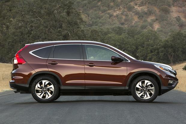 2014 vs. 2015 Honda CR-V: What's the Difference? featured image large thumb10