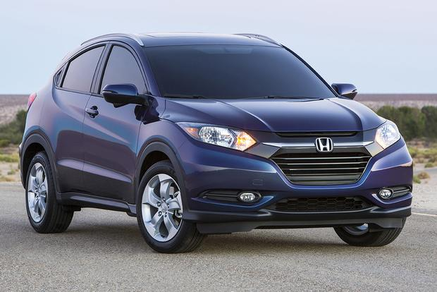Used Honda Hrv >> 2015 Honda Cr V Vs 2016 Honda Hr V What S The Difference Autotrader