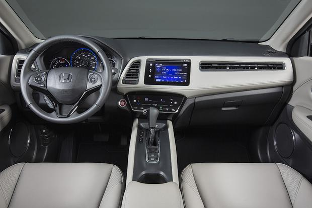 2015 Honda CR-V vs. 2016 Honda HR-V: What's the Difference? featured image large thumb2