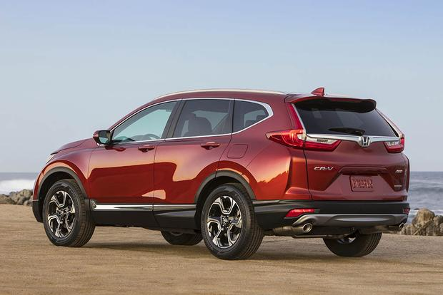 2017 Honda Cr V Vs 2017 Toyota Rav4 Which Is Better