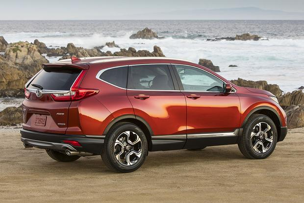 2017 Honda Cr V Vs Toyota Rav4 Which Is Better Featured