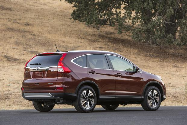 2016 vs  2017 Honda CR-V: What's the Difference? - Autotrader