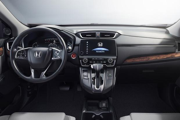 2016 vs. 2017 Honda CR-V: What's the Difference? featured image large thumb2