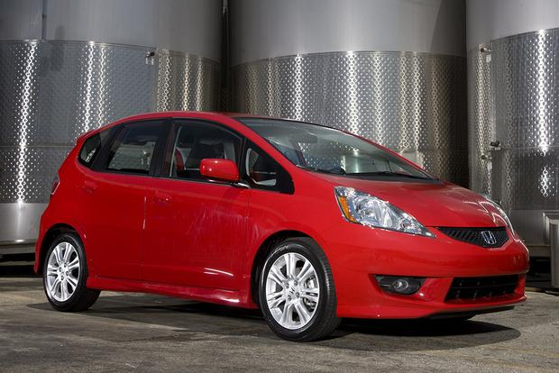 2010 honda fit used car review autotrader. Black Bedroom Furniture Sets. Home Design Ideas