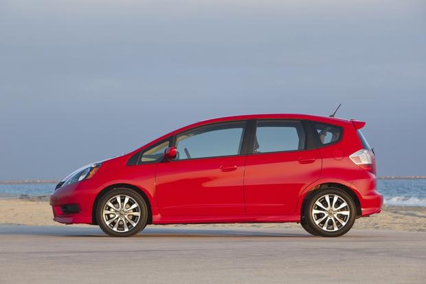 2013 Honda Fit: OEM Image Gallery featured image large thumb3