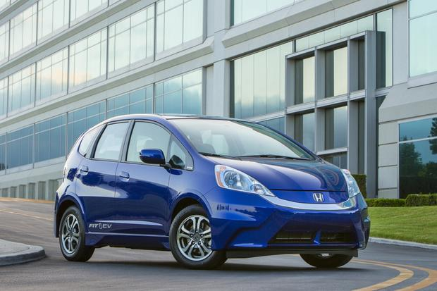 2014 honda fit ev new car review autotrader for Honda fit electric