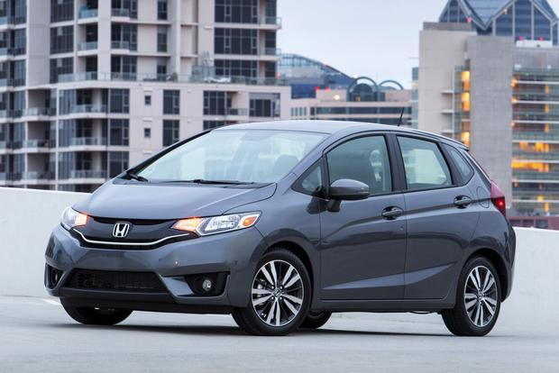 2013 Honda Fit vs. 2015 Honda Fit: What's the Difference? featured image large thumb0