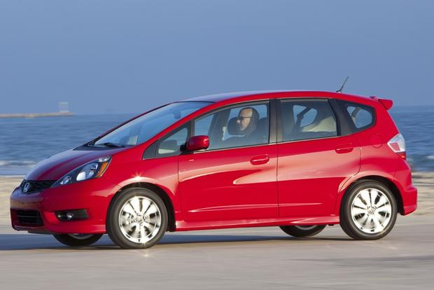 2013 Honda Fit vs. 2015 Honda Fit: What's the Difference? featured image large thumb6
