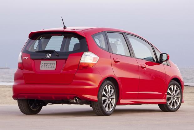 2013 Honda Fit vs. 2015 Honda Fit: What's the Difference? featured image large thumb8