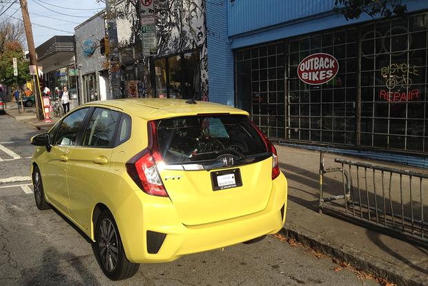 2015 Honda Fit: Big Benefits, Minor Problems featured image large thumb5
