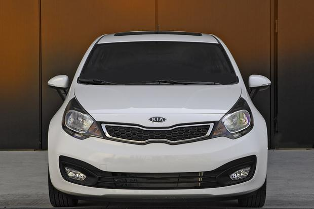 2017 Honda Fit Vs Kia Rio Which Is Better Featured Image Large