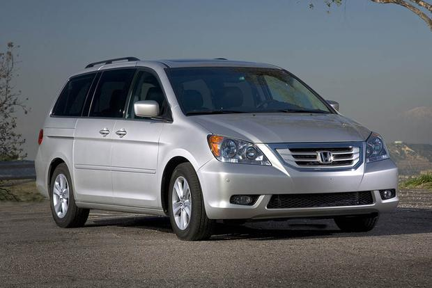 2005-2010 Honda Odyssey vs. 2004-2010 Toyota Sienna: Which Is Better? featured image large thumb11