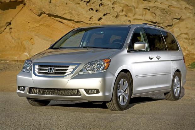 2005-2010 Honda Odyssey vs. 2004-2010 Toyota Sienna: Which Is Better? featured image large thumb3