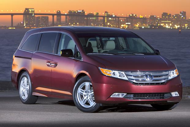 2012 Honda Odyssey: Used Car Review featured image large thumb0