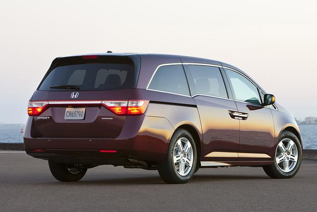 2012 Honda Odyssey: Used Car Review featured image large thumb2