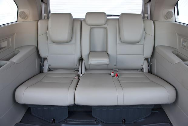 2012 Honda Odyssey: Used Car Review featured image large thumb3
