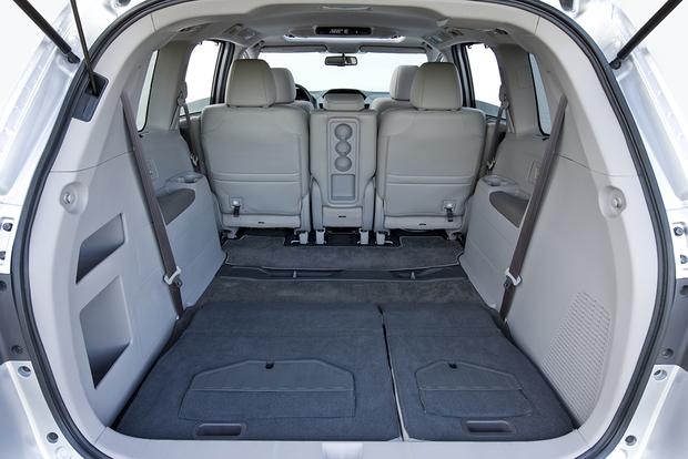 2012 Honda Odyssey: Used Car Review featured image large thumb5