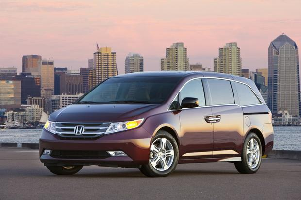 2013 Honda Odyssey: New Car Review featured image large thumb0