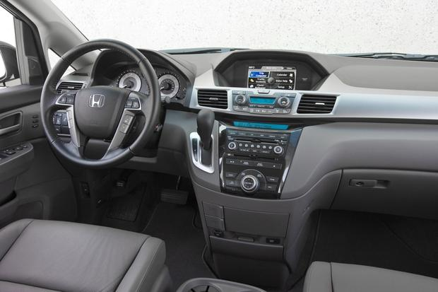 2013 Honda Odyssey: New Car Review featured image large thumb3