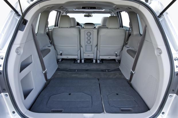2013 Honda Odyssey: New Car Review featured image large thumb6