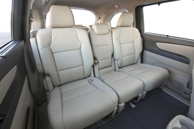 2013 Honda Odyssey: Used Car Review featured image large thumb7