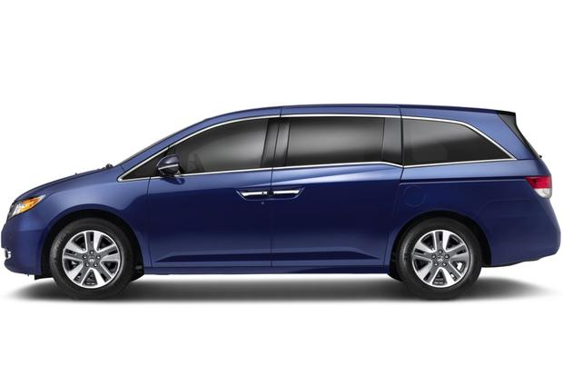 2013 vs. 2014 Honda Odyssey featured image large thumb2