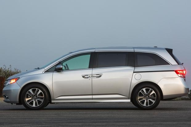 2014 Honda Odyssey: Used Car Review featured image large thumb2