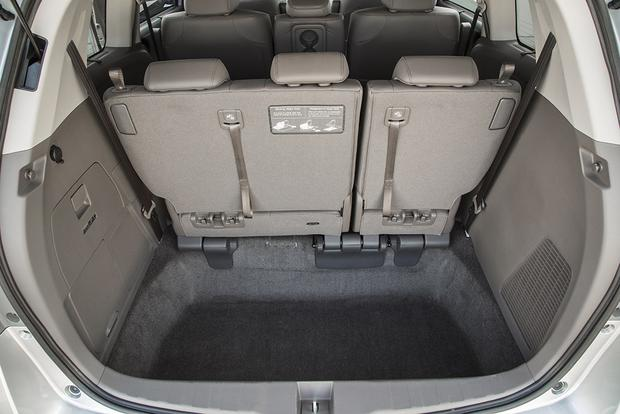 2016 Honda Odyssey: New Car Review featured image large thumb3