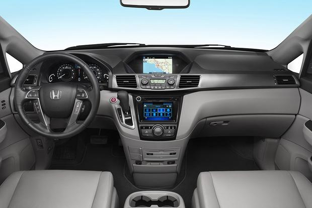 2017 Honda Odyssey: New Car Review featured image large thumb4