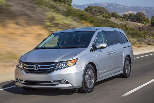 2017 Honda Odyssey: New Car Review featured image large thumb2