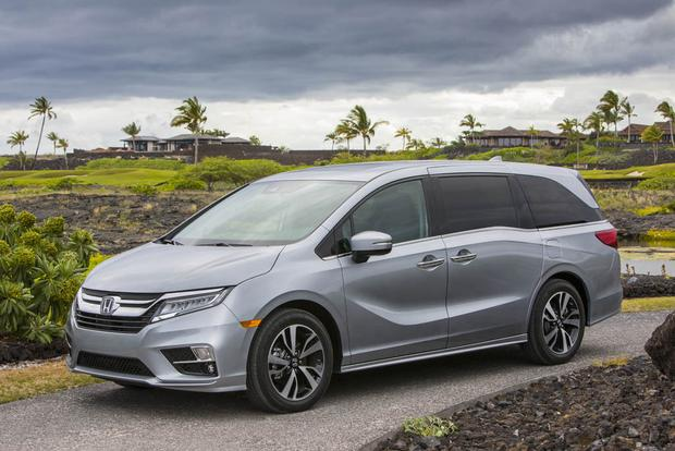 2018 Honda Odyssey: New Car Review featured image large thumb0