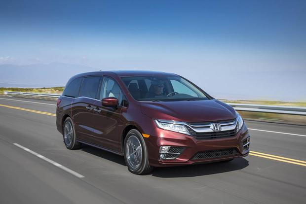 2018 Honda Odyssey: New Car Review featured image large thumb1