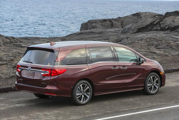 2018 Honda Odyssey: New Car Review featured image large thumb4