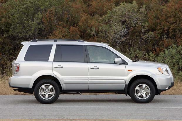 2003-2008 Honda Pilot vs. 2001-2007 Toyota Highlander: Which Is Better? featured image large thumb1
