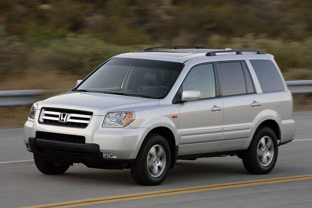 2003 2008 honda pilot vs 2001 2007 toyota highlander. Black Bedroom Furniture Sets. Home Design Ideas