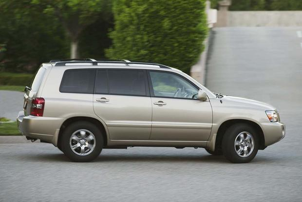 2003-2008 Honda Pilot vs. 2001-2007 Toyota Highlander: Which Is Better? featured image large thumb2