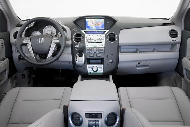 2011 Honda Pilot: Used Car Review Featured Image Large Thumb1