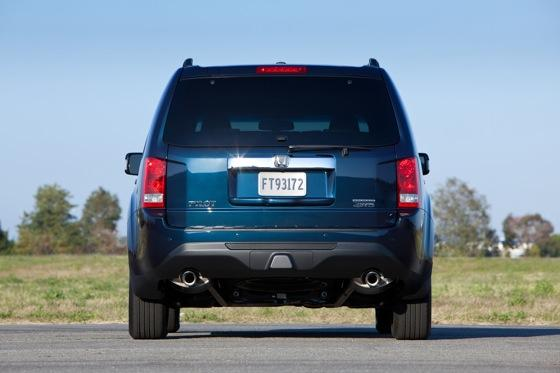 Honda Tweaks Pilot SUV for 2012 featured image large thumb8