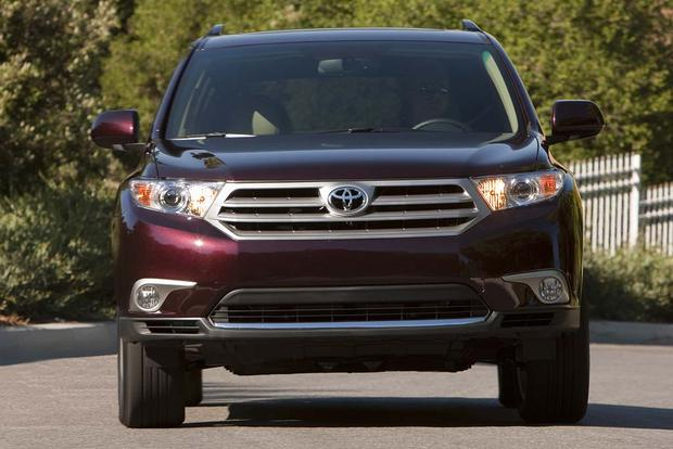 2008-2013 Toyota Highlander vs. 2009-2015 Honda Pilot: Which Is Better? featured image large thumb9