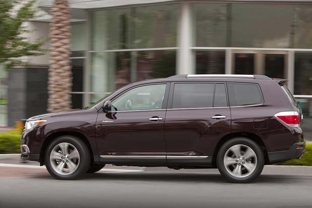 2008-2013 Toyota Highlander vs. 2009-2015 Honda Pilot: Which Is Better? featured image large thumb3