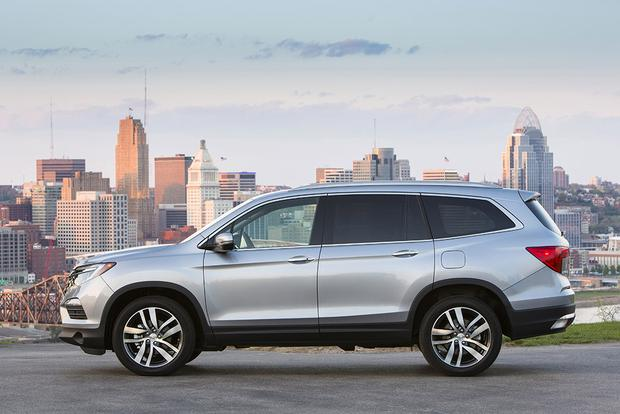 2016 Honda Pilot: New Car Review featured image large thumb2