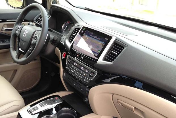 2016 Honda Pilot: The Way It Drives featured image large thumb5