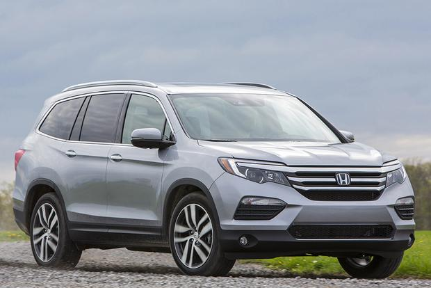 2016 Honda Pilot vs. 2015 Toyota Highlander: Which Is Better? featured image large thumb11