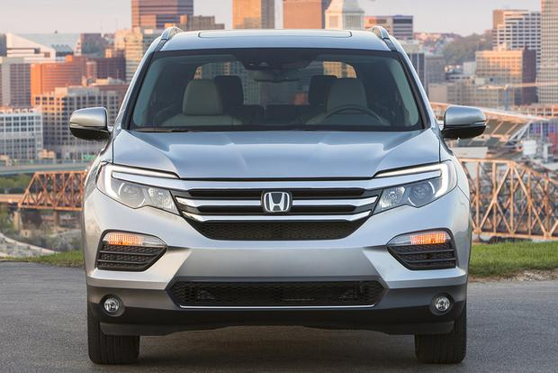 2016 Honda Pilot vs. 2015 Toyota Highlander: Which Is Better? featured image large thumb9