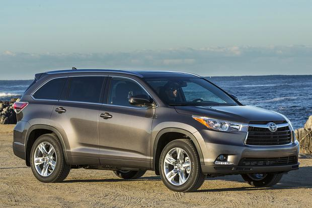 2016 Honda Pilot vs. 2015 Toyota Highlander: Which Is Better? featured image large thumb0