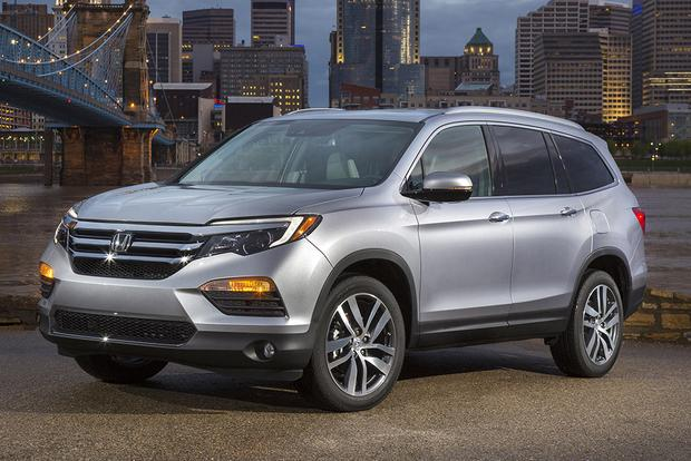 2016 Honda Pilot vs. 2016 Nissan Pathfinder: Which Is Better? featured image large thumb3
